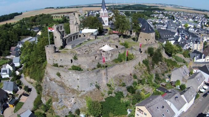 Burg-Kastellaun_Luftbild-1