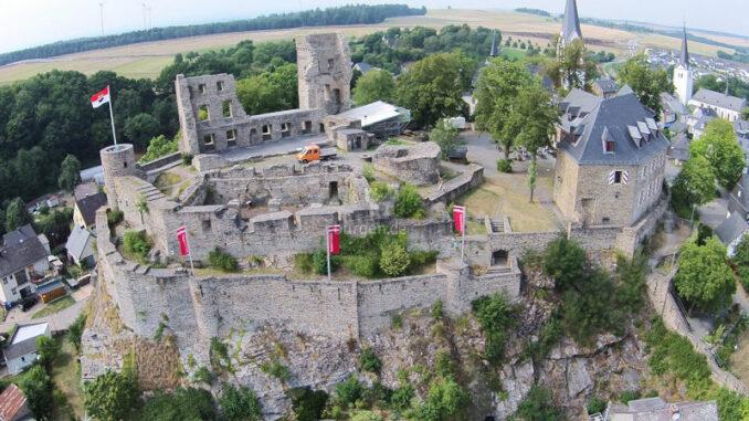 Burg-Kastellaun_Luftbild-2