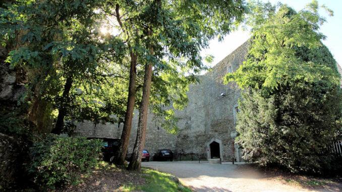 Chateau-Beaugency_Innenhof