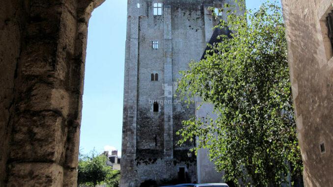 Chateau-Beaugency_Torbogen