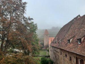 Kloster Maulbronn im Herbstnebel© Foto von P. Mohr