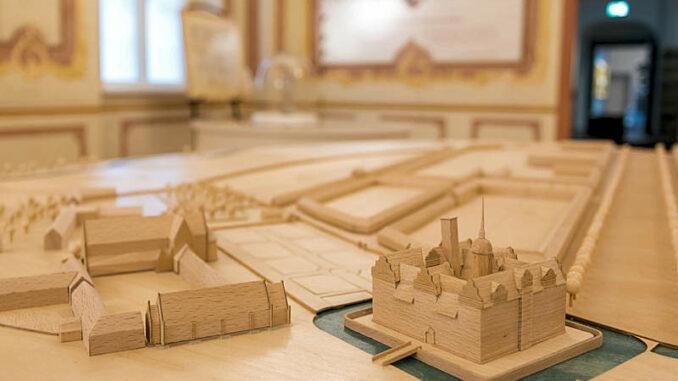 Schloss-Doberlug_Holzmodell-der-Anlage