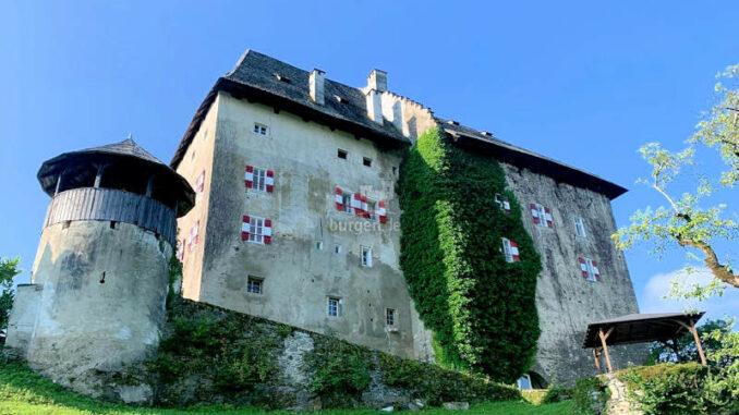 Schloss-Moosburg_Seitenansicht-002