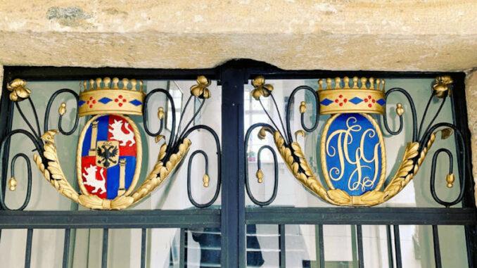 Schloss-Moosburg_Wappen-001