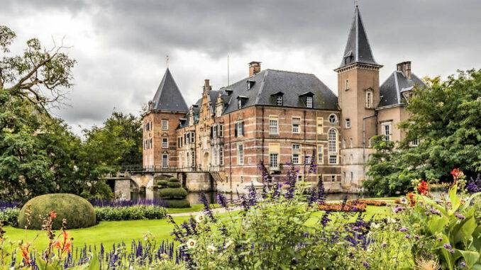 Schloss-Twickel_Seitenansicht