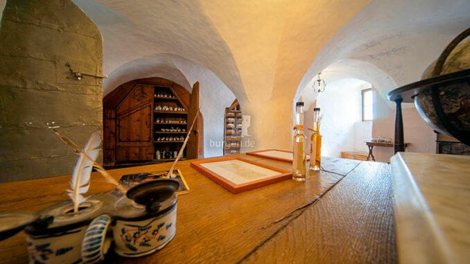 Burg-Clam_Apotheke_Josef-MORITZ