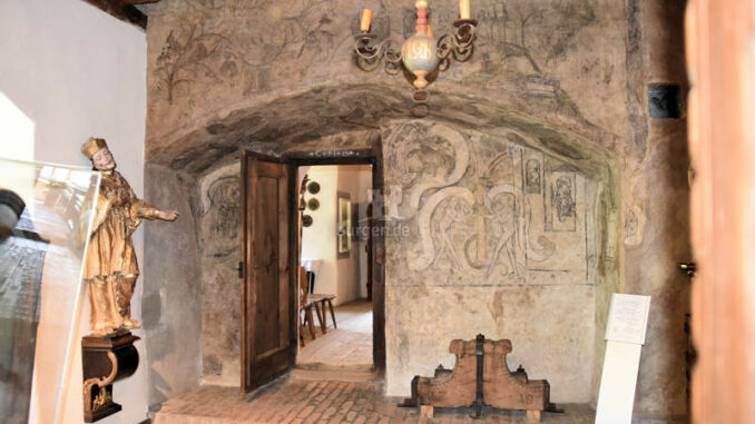 Schattenburg_Fresken-alte-Burgkapelle