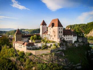 Schloss Burgdorf - wunderschöne Seitenansicht © Stadtmarketing Burgdorf