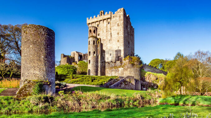 Blarney-Castle_Westansicht_800