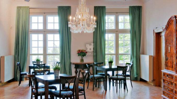 Schloss-Agathenburg_Foyer_c-Manfred-Wigger