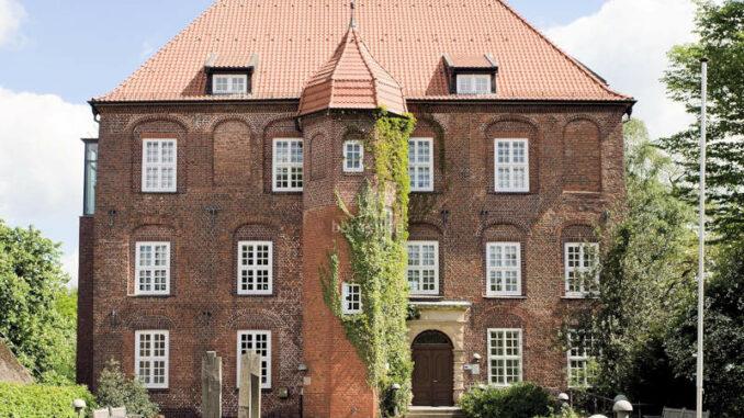Schloss-Agathenburg_Vorderseite_c-Manfred-Wigger