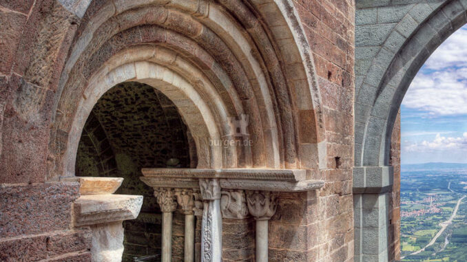 Sacra-Di-San-Michele_Tierkreiszeichen-Portal_c-Sacra-Di-San-Michele