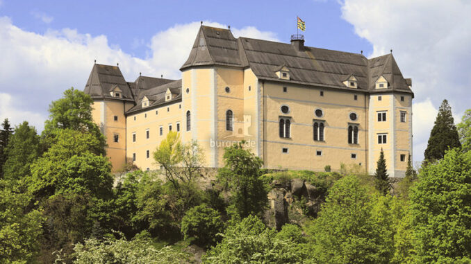 Schloss-Greinburg_Schloss-im-Sonnenschein_c-Schloss-Greinburg_800