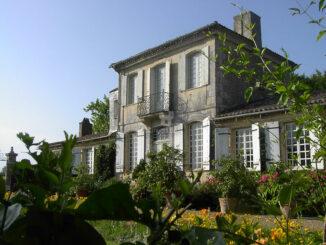 Gartenfassade © Château de Mongenan