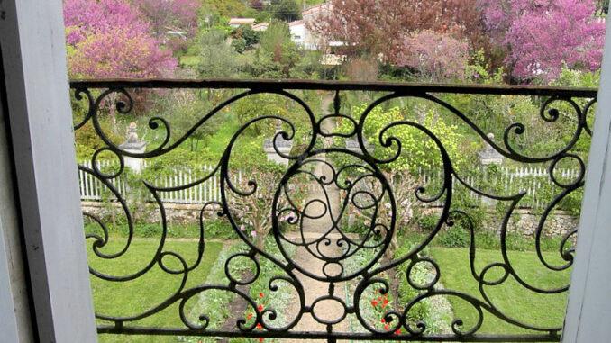 Chateau-de Mongenan_Sicht-in-den-Garten_c-Chateau-de Mongenan_800
