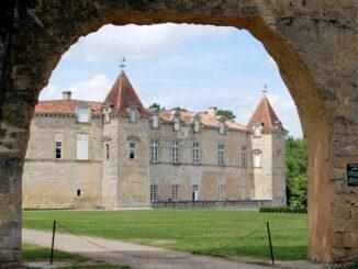 Château de Cazeneuve - © Wikimedia/Pline under CC BY-SA 3.0