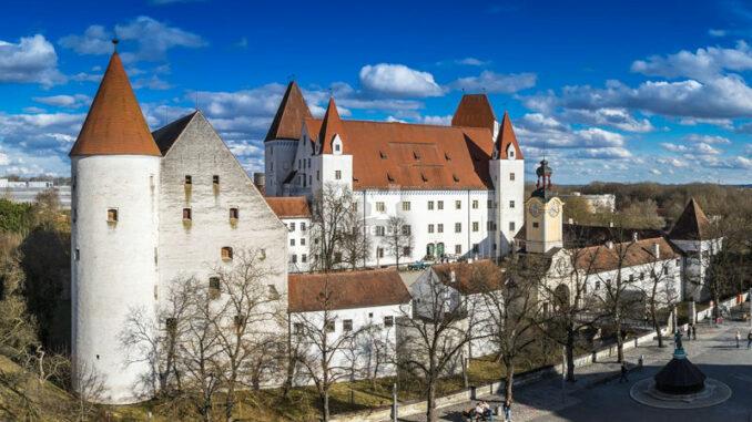 Neues-Schloss-Ingolstadt_Panoramabild_c-Bayerisches-Armeemuseum-Erich-Reisinger