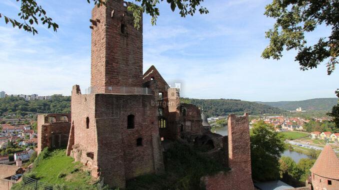 Burg-Wertheim_Oberburg-und-Bergfried_3611