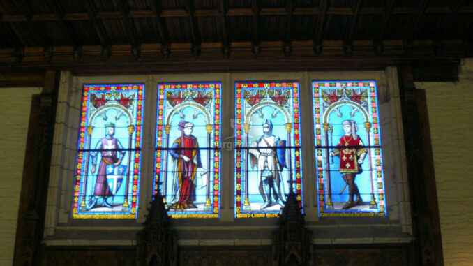 Chateau-de-Keriolet_Buntglasfenster-im-Wachraum_c-Chateau-de-Keriolet_800