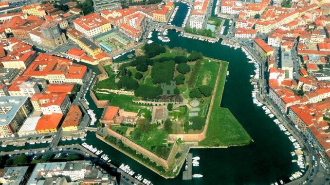 Fortezza-Nuova-Livorno_Festung-aus-der-Luft-mit Hafen_c-Fortezza-Nuova-Livorno_800