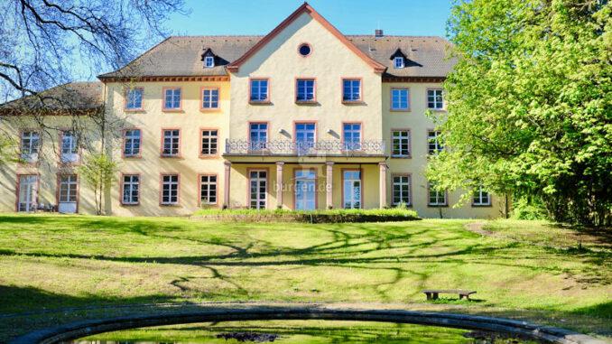 Jesuitenschloss-Merzhausen_Gartenfassade_c-Alpha-Netzwerkpartner-GmbH_800