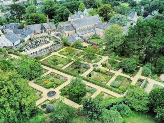 L'Abbaye de Daoulas - Kloster & Gärten aus der Luft © Drone of Visuals / CDP-29