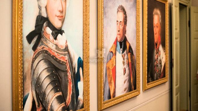Oberes-Schloss-Greiz_Gemälde-im-Museum_c-Tourist-Information-Greiz_800