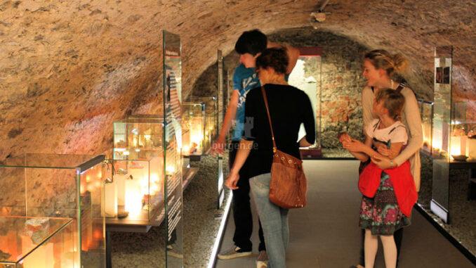 Oberes-Schloss-Greiz_Mineraliensammlung_c-Tourist-Information-Greiz_800