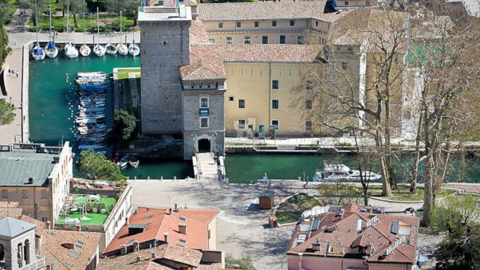 Rocca-de-Riva_Burg-aus-der-Luft_c-MAG-Museo-Alto-Garda_800