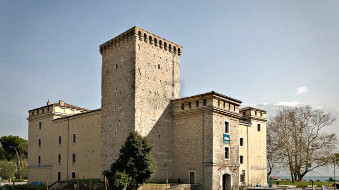 Rocca-de-Riva_Burg-mit-Hauptturm-Mastio_c-MAG-Museo-Alto-Garda_800