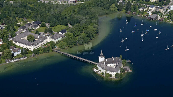 Seeschloss-Ort_Luftaufnahme_c-Ferienregion-Traunsee-Almtal_800