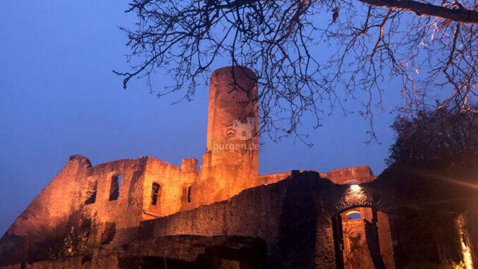 Stadt-und-Burgmuseum-Eppstein_Burg-bei-Nacht_c-Stadt-und-Burgmuseum-Eppstein_800