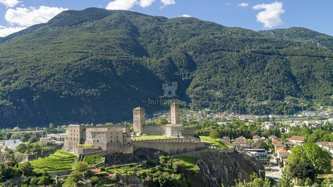 Castelgrande_Maechtige-Festung_c-calicodesign_800
