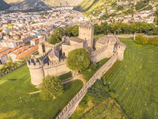 Castello di Montebello - Luftaufnahme © Redesign