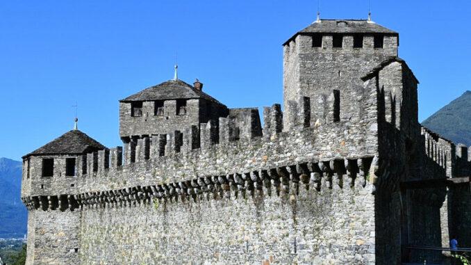 Castello-di-Montebello_Wehrhafte-Mauern_c-Federico-Ghedini_800