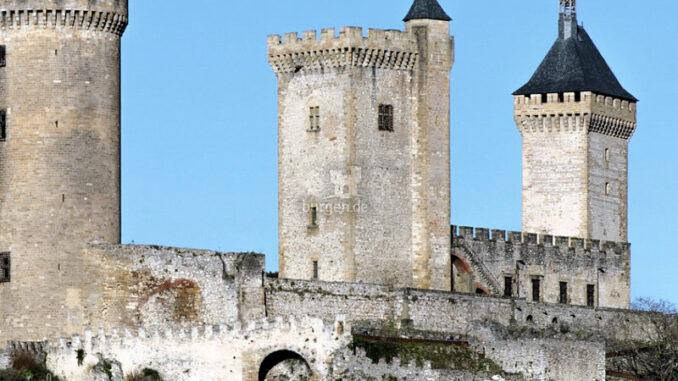 Chateau-de-Foix_Mauern_Soudier_800