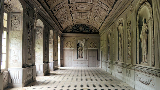 Chateau-de-Tanlay_Galerie-mit-Trompe-loeil-Malerei_c-Chateau-de-Tanlay_800