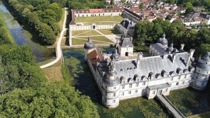Chateau-de-Tanlay_Luftaufnahme_c-Chateau-de-Tanlay_800