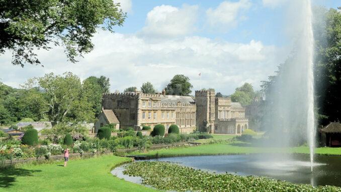 Schloss mit großer Fontäne © Forde Abbey