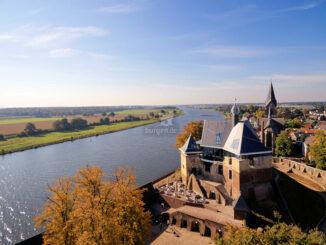 Burg über der Maas © Kasteel de Keverberg