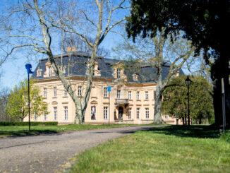 Das Schloss vom Garten gesehen © Oderbruch-Museum Altranft / Alex Schirmer