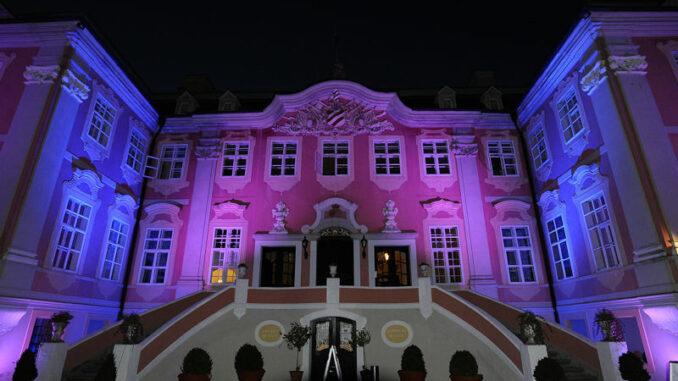 Schloss-Assumstadt_Schloss-bei-Nacht_c- Schloss-Assumstadt_800