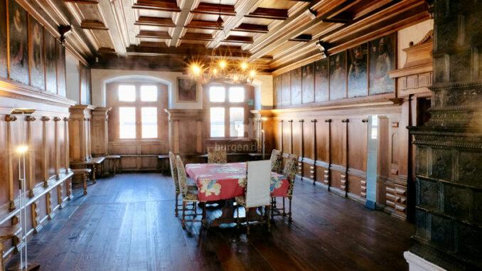 Schloss-Waldburg_Rittersaal-mit-Portraits_c-Schloss-Waldburg_800