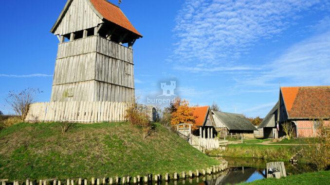 Turmhuegelburg-Luetjenburg_Die-Motte_c-Photo-Heinrich-Ripke-Turmhuegelburg-Luetjenburg_800
