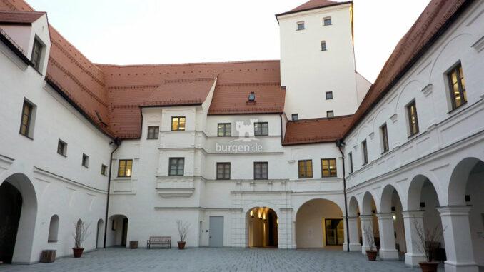 Wittelsbacher-Schloss-Friedberg_Innenhof_c-Museum-im-Wittelsbacher-Schloss_800