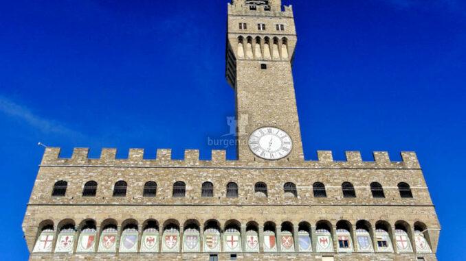 Palazzo-Vecchio_Hauptfassade-mit-Turm_c-Frank-Geissler-auf-Pixabay_800