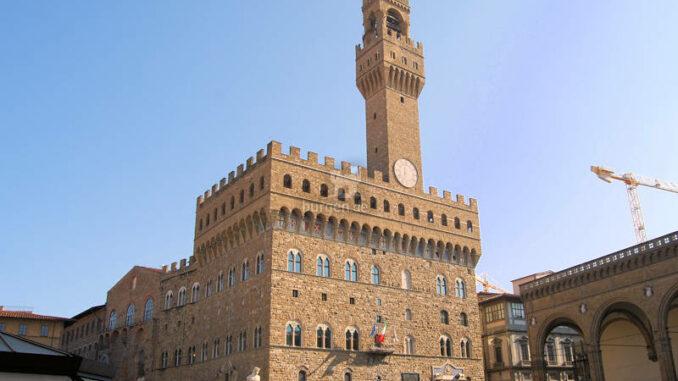 Palazzo-Vecchio_Palazzo-und-Loggia-dei-Lanzi_c-Gianni-Crestani-auf-Pixabay_800