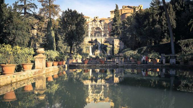 Villa-d-Este-Tivoli_Neptunbrunnen-ueber-dem-Teich_c-Shirin-Amin-Pixabay_800