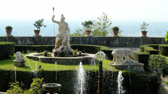 Villa-d-Este-Tivoli_Statue-des-triumphierenden-Rom_c-John-Bongard-Pixabay_800
