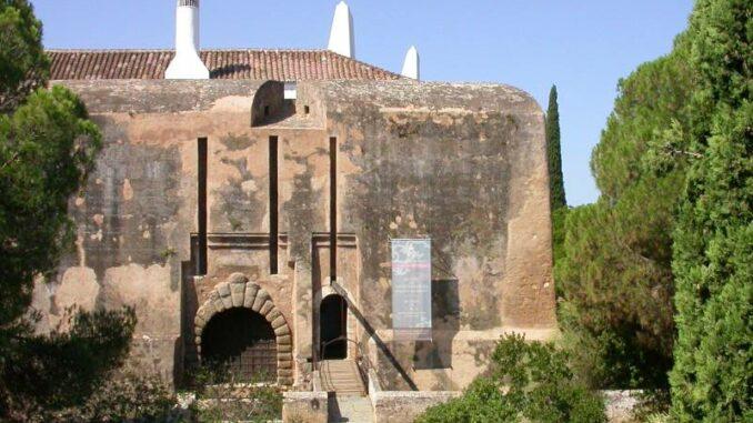 Castello-de-Vila-Vicosa_ Fassade-der-alten-Burg_Paco-Ducal-de-Vila-Vicosa_800